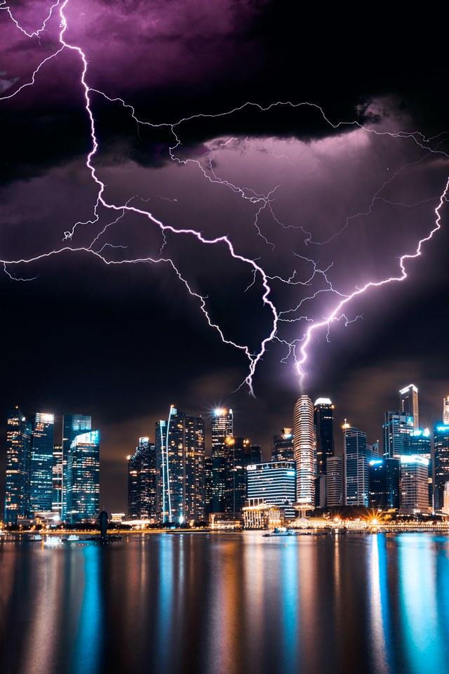 激しい雷 画像