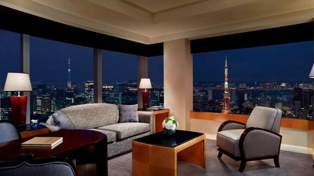 山P 高級ホテル