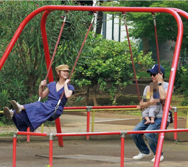 佐々木希 渡部健 家族 画像